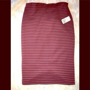 Knee length skirt Sz L black/ burgundy